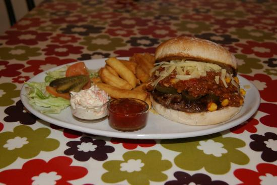 The Manor House Cafe: Chilli Burger