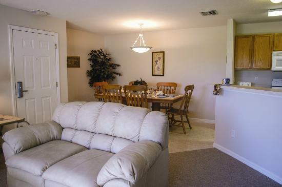 Silverleaf Orlando Breeze Resort: Silverleaf Resorts in Florida - Orlando Breeze Resorts - Living Room