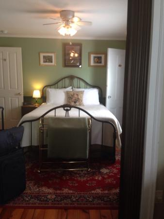 Stirling House Bed and Breakfast: First floor bedroom