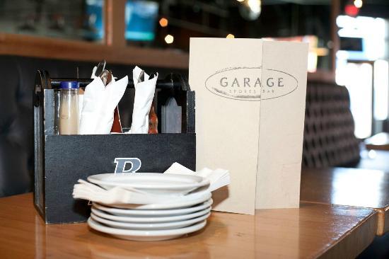 Garage Billiards Bar & Restaurant