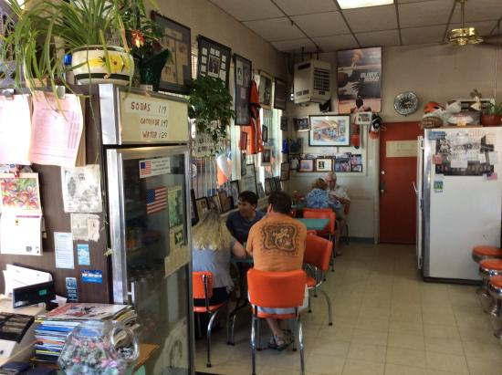 Inside picture of hh car wash and coffee shop el paso tripadvisor hh car wash and coffee shop inside solutioingenieria Choice Image