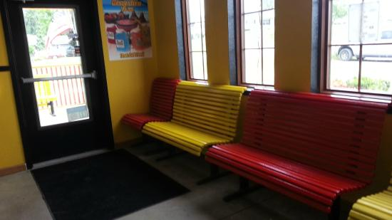 Hamilton, IN: Waiting area if group