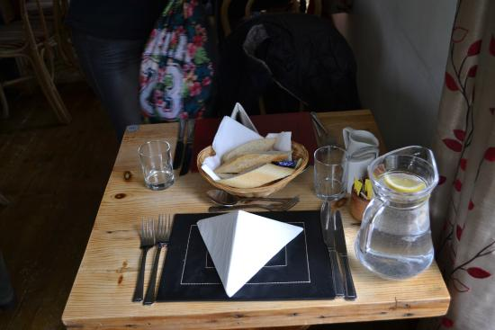 The Old Inn: servicio de mesa