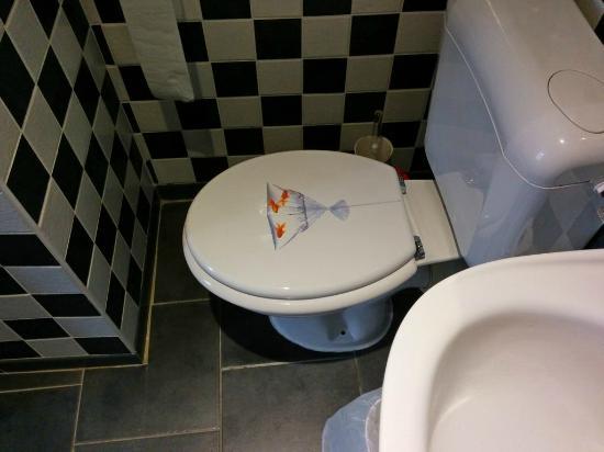 Hotel Du Moulin: WC