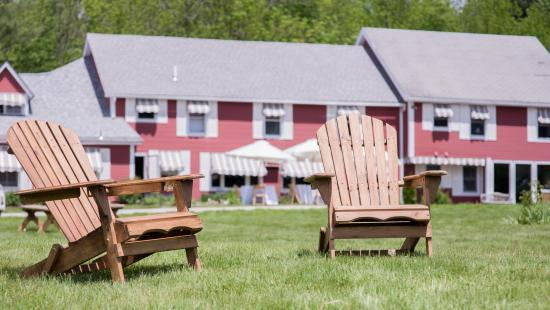 The Vermont Inn: Chairs