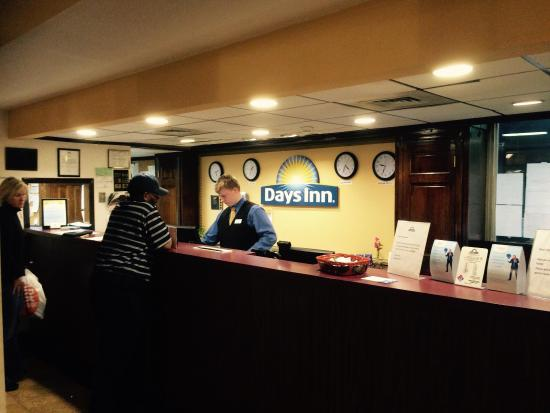 Days Inn Bridgewater Conference Center Somerville Area: Ok for what we paid..,