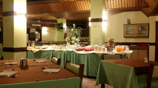 Sunset Hotel San Carlos Bariloche: Muy bueno!desayunos y cenas..
