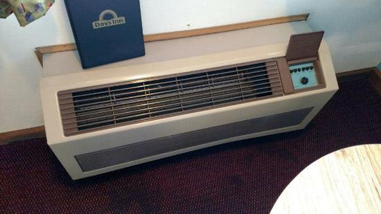 Mountain Grove, MO: Inside A/C with soaked carpet.