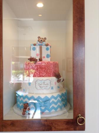 Nadia Cakes Cupcake Shop: A Cake On Display