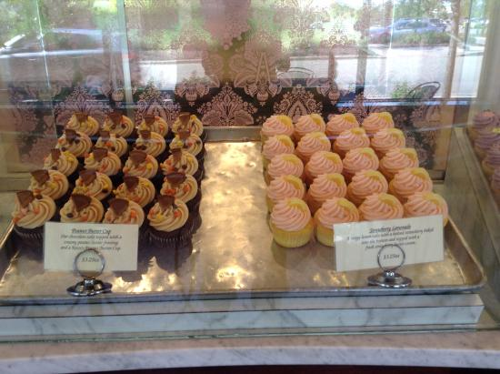 Nadia Cakes Cupcake Shop: A Few Of A Wide Variety of Cupcakes
