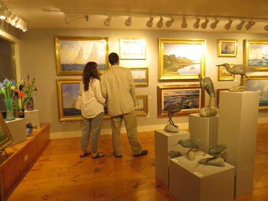 ‪Newport Art Galleries‬