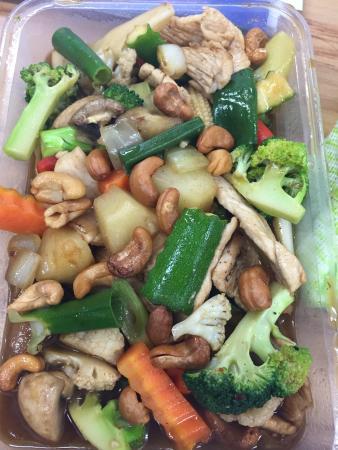 May's Thai: Chicken Cashews