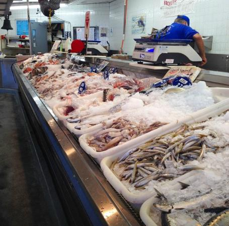 Fresh selections at quality seafood market picture of for Redondo beach fish market