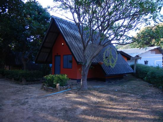 Cashewnut Tree Bungalows: Fan bungalow