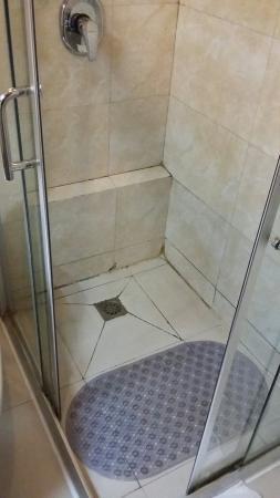 Chongqing Jiangbei Airport Hotel: Bathroom