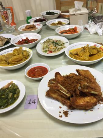 Garuda Padang Food: photo0.jpg