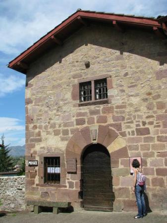 Prison des eveques : Prison des évêques
