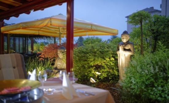 Au Parc Hotel Fribourg: La Coupole, restaurant thaïlandais Terrasse