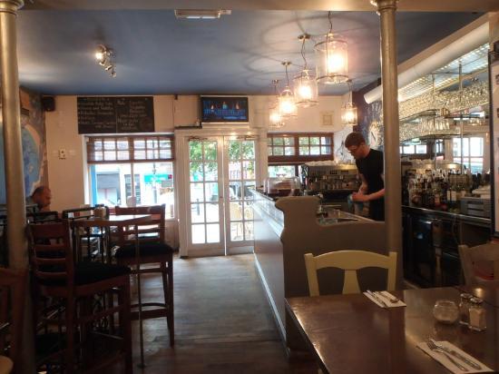 Kafeneon: Inside