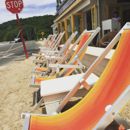 Sunset Beach: Outside seating