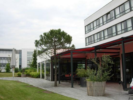 Kyriad Prestige Strasbourg Nord - Schiltigheim : Entrée hôtel