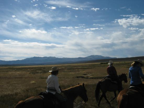 Cottonwood Guest Ranch: headin' out