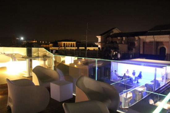 Rooftop bar picture of hotel milano spa verona for Milano rooftop bar