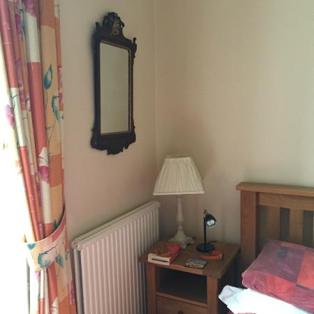 Tantallon Place Bed and Breakfast: Neat and stylish bedroom