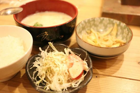 Hostel Aso Kumamoto Little Asia GuestHouse: Dinner for 350jpy per person. Reservation must be done before 17:00
