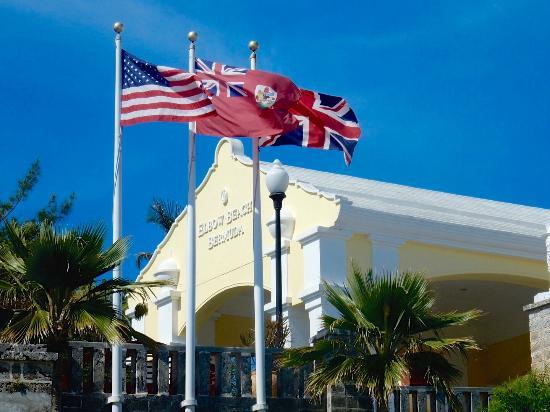 Elbow Beach, Bermuda: Main building