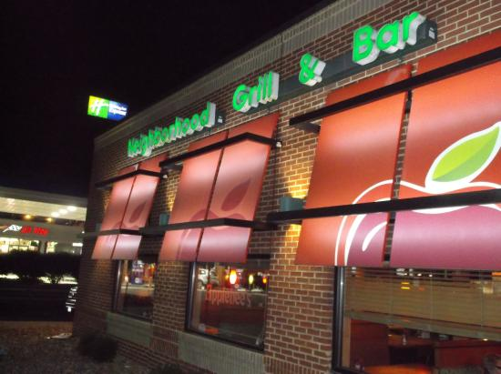 Applebee's: Grill and bar as well