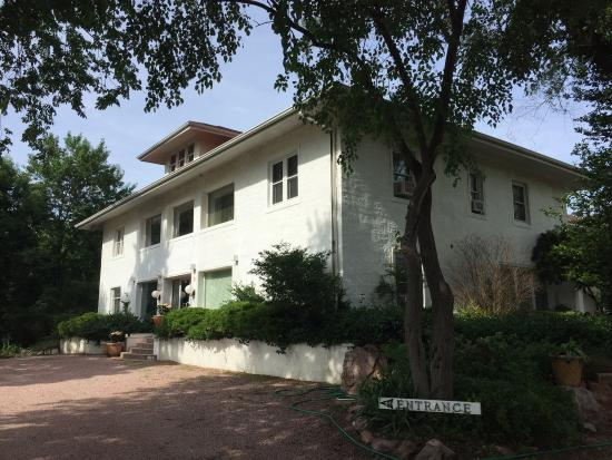 Westview Bed & Breakfast : The entrance