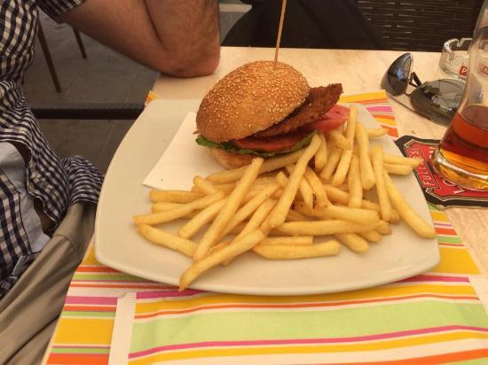 Kontatto Cafe: Panino con cotoletta