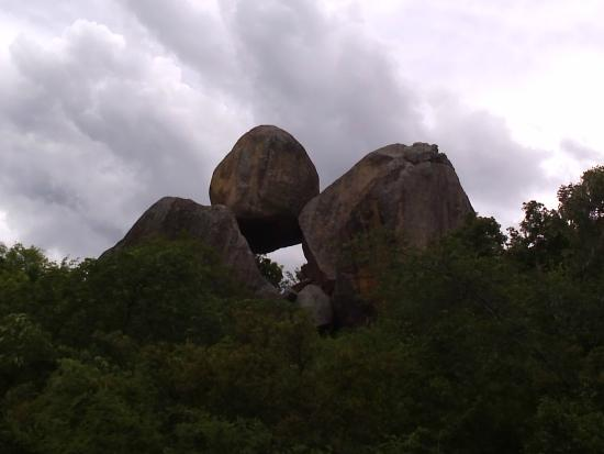 ‪‪Matobo National Park - The Matopos‬, زيمبابوي: Famous Balancing Rocks in Matopos!‬