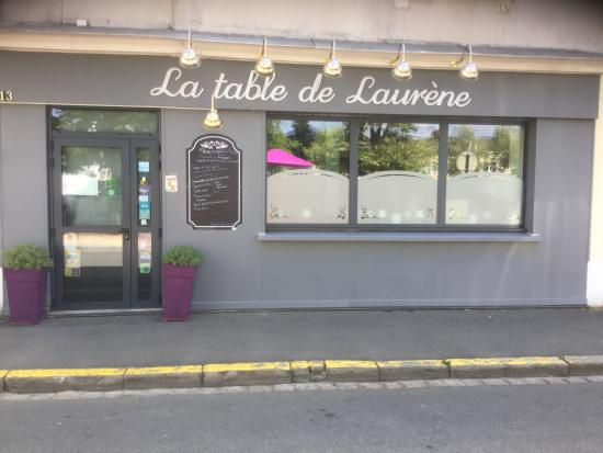 la fa ade du restaurant foto de la table de laurene la fleche tripadvisor. Black Bedroom Furniture Sets. Home Design Ideas