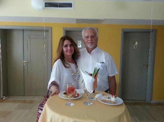 Hotel Mimosa: Kokteil parti