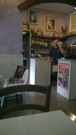 La Taverna: locale