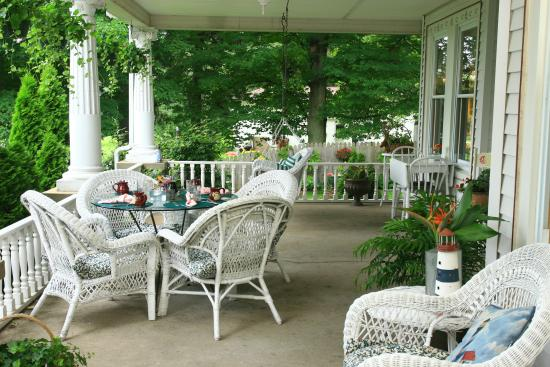Fennville, MI: Our Comfy Covered Porch