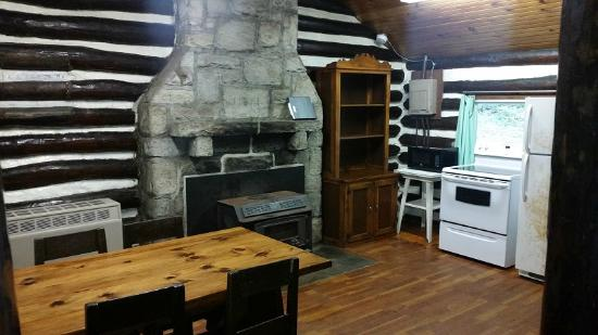 Clear Creek State Park: Common Area/dining Area, Cabin 17