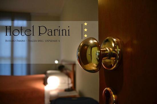 호텔 파리니