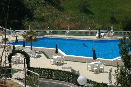 Parco della piscina picture of castello kensington san - Piscina san marco ...