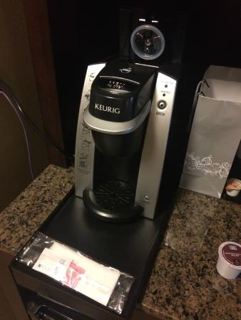 Hilton Garden Inn DFW North Grapevine: Coffee maker
