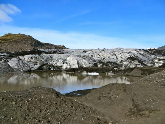 Volcano Hotel: Glacier hiking