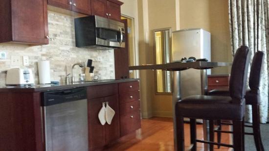 The Parker Inn & Suites: The kitchen area