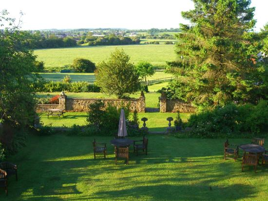 BEST WESTERN Sysonby Knoll Hotel: Gardens view to the river