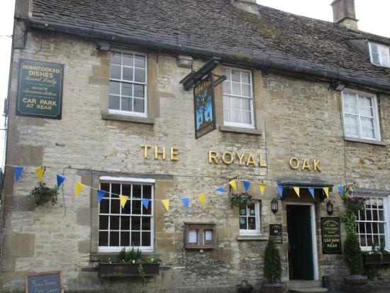 The Royal Oak: Exterior