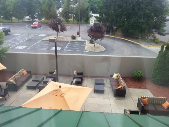 Courtyard by Marriott Bloomington : View from Room 224