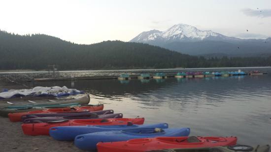 Lake Siskiyou Camp - Resort: splash zone canoe and kayak rentals