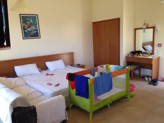 Nissiana Hotel & Bungalows: photo3.jpg