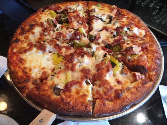 Zwanzig Z Pizza : Best pizza around!!  Carpe diem!!